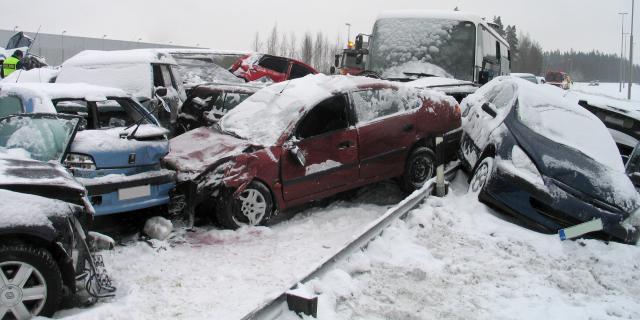 4 įpročiai, kuriuos pakeitus avaringumas keliuose sumažėtų
